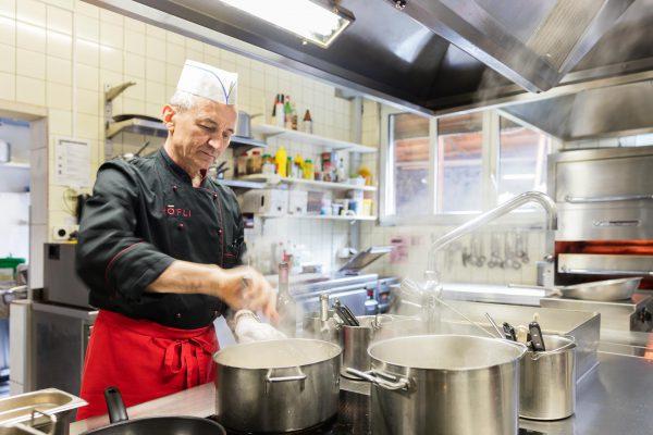 Hotel Restaurant Pizzeria Höfli Altdorf: Essen und Geniessen