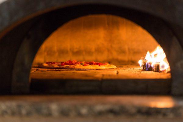 Hotel Höfli Altdorf: Pizza im Holzofen