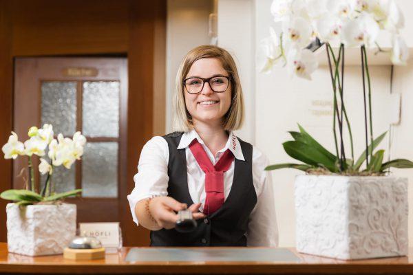 Rezeption Hotel Höfli Altdorf: Werden Sie unser Gast