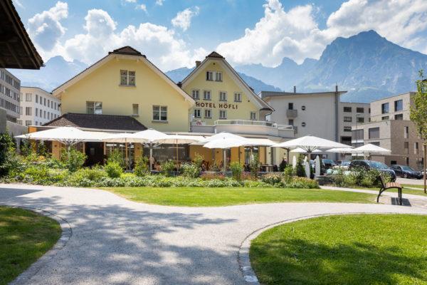 Hotel Höfli Altdorf: Terrasse mit Lounge